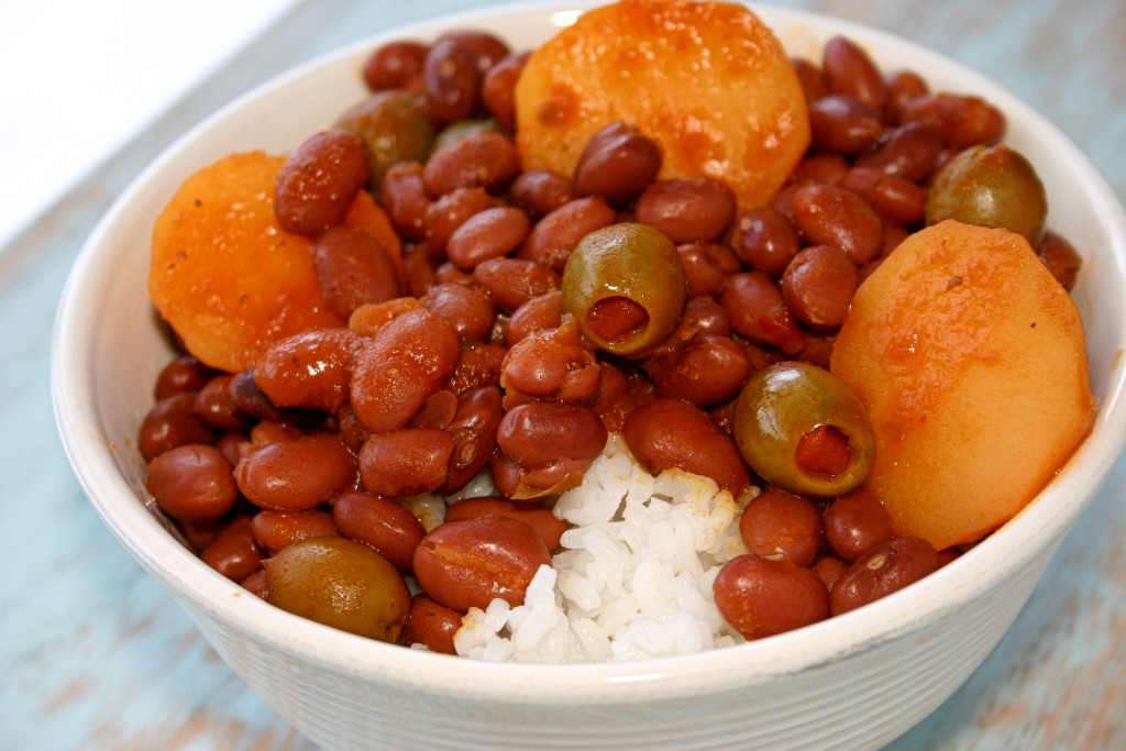 Puerto Rican Rice and Beans (Habichuelas Guisadas) with sofrito recipe | Kitchen Gidget