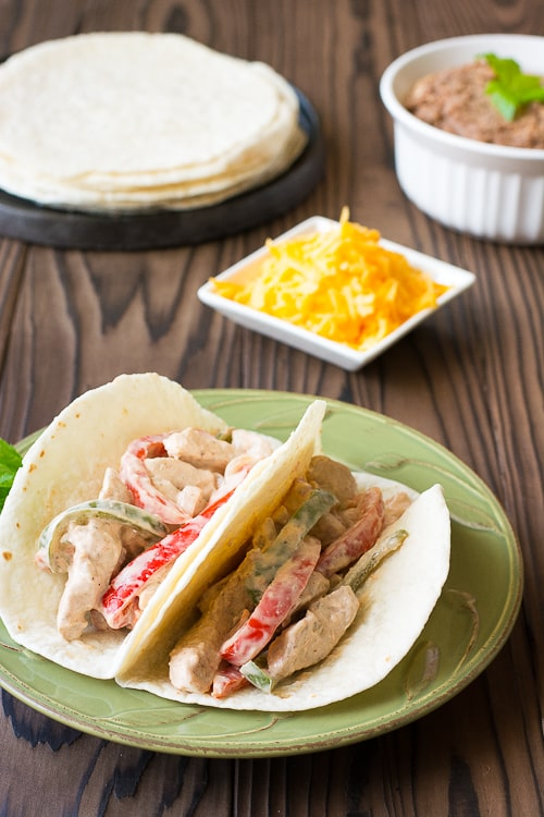 Creamy Chicken Tacos with peppers and salsa: quick and easy weeknight dinner! | Kitchen Gidget