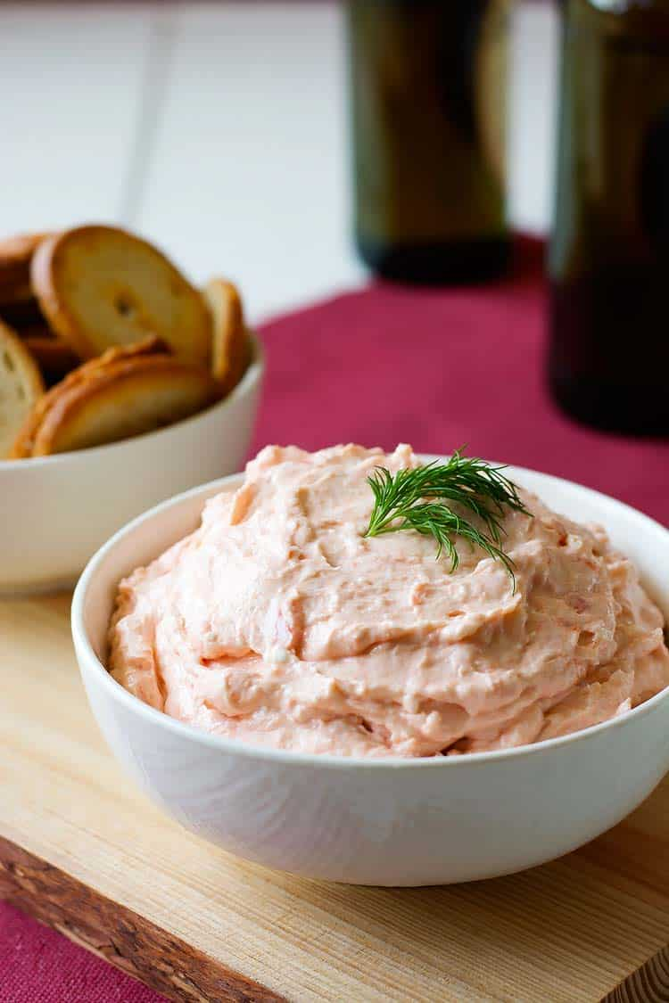 Rich and creamy smoked salmon appetizer. Serve with pita chips or veggies! | Kitchen Gidget