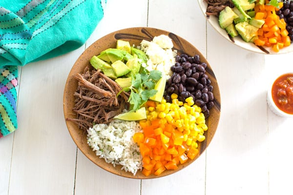 Make your own burrito bowl with this homemade burrito bowl recipe!