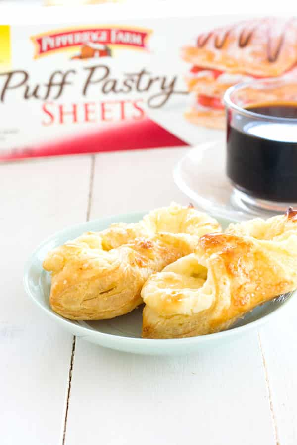 A quesitos recipe just like you find in Puerto Rican bakeries. Cream cheese pastries for breakfast!