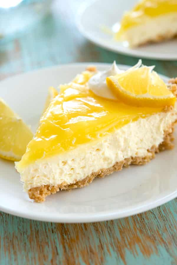 Lemon cream cheese pie - this no bake dessert was so easy to make and I didn't even need to bake the graham cracker crust!