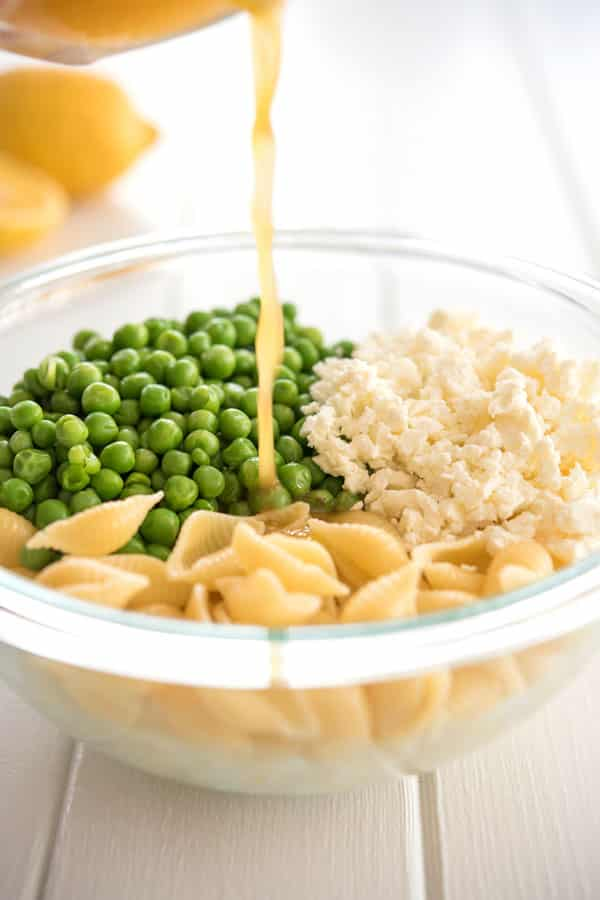 Lemon pasta recipe with peas and feta - the lemon garlic sauce is delicious!