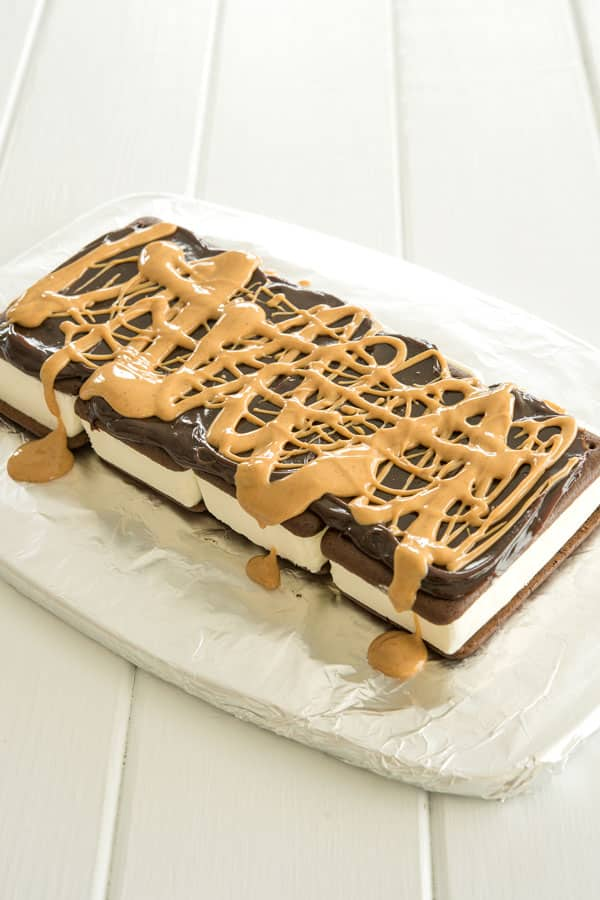 Peanut Butter Ice Cream Sandwich Cake assembly