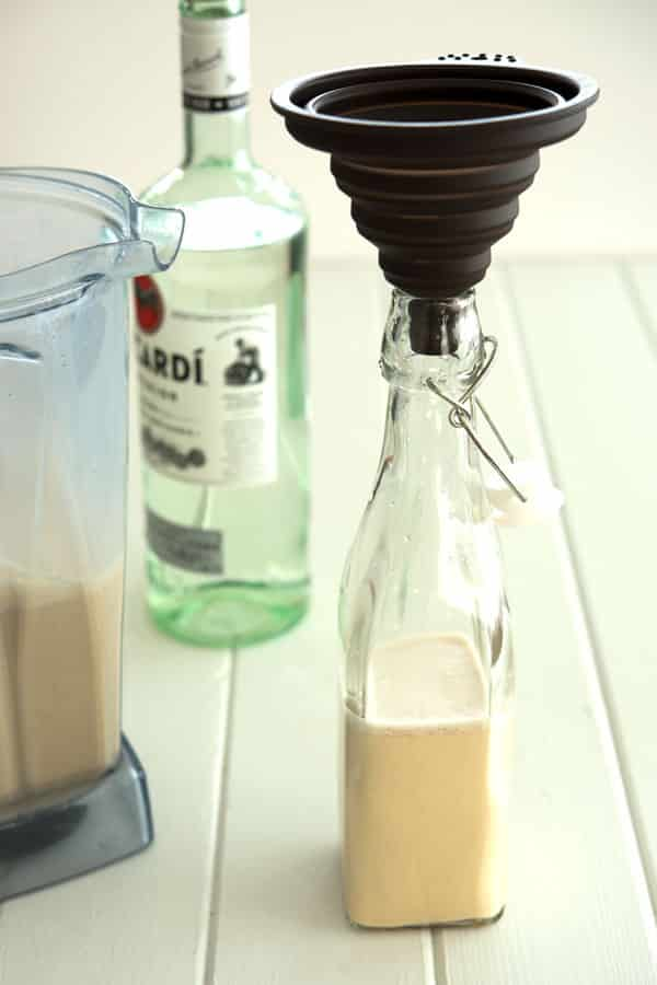 Coquito recipe: bottling homemade coquito