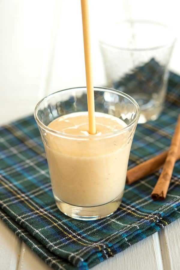 Coquito recipe: how to make Puerto Rican coquito with coconut milk and rum!