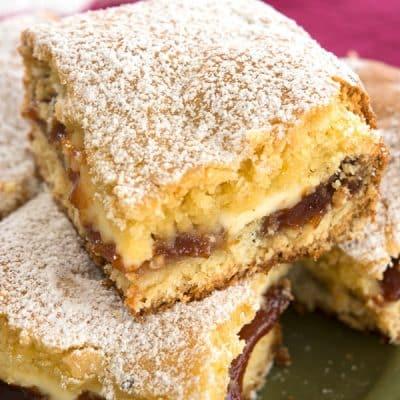 Cream cheese coffee cake meets the Caribbean with this guava cake recipe! | Cubana Panetela de Guayaba receta