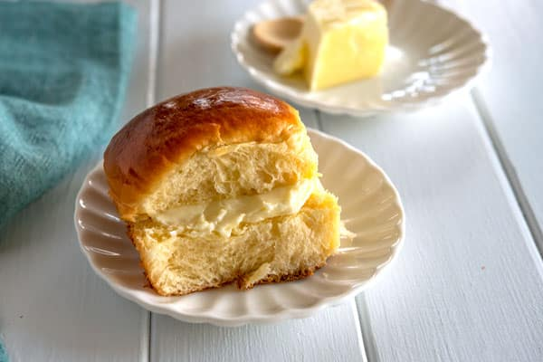Hawaiian Bread Rolls - soft, fluffy, sweet